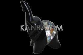 Elefante obsidiana con incrustaciones